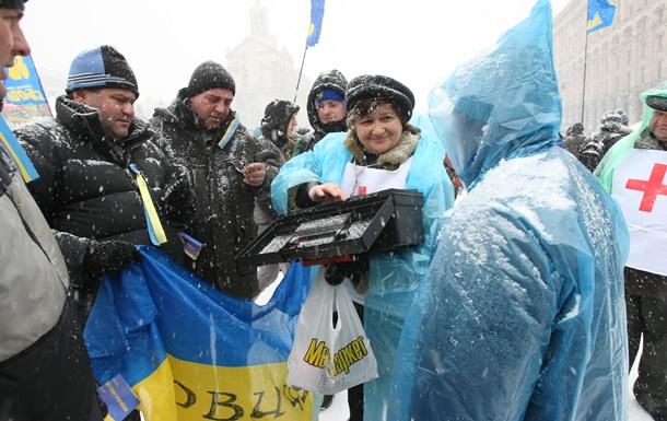 Корреспондент: Бэк-офис Майдана. За время Евромайдана тысячи украинцев предложили центру Киева свои руки и мозги