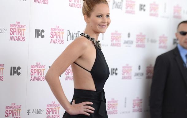 Журналисты назвали самые скандальные платья 2013 года