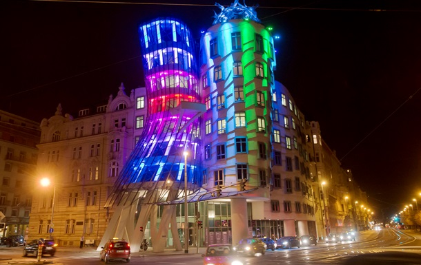 В Чехии продан Танцующий дом