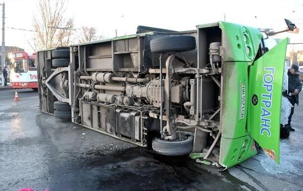Количество раненых после ДТП в Луганске выросло до 28 человек