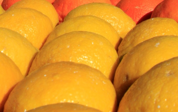 В одну из колоний Харьковской области пришла посылка с наколотыми мандаринами
