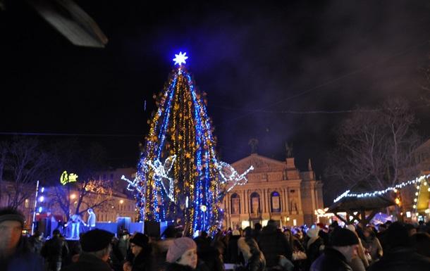 Во Львове в новогоднюю ночь Ратушу превратят в  холст  для светового шоу