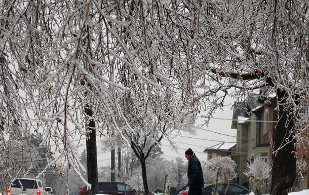 Снежный шторм парализовал работу авиакомпаний в США