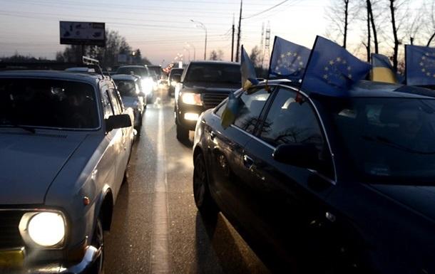 В ГАИ объяснили, зачем их сотрудники приходят домой к участникам автопробега в Межигорье