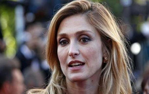 Французский таблоид уберет с сайта скандальные фото о любовной интриге президента