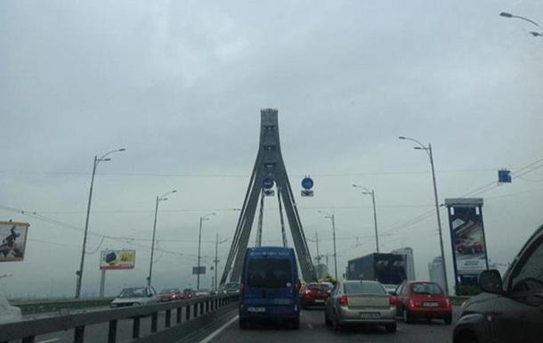 Движение по Московскому мосту в Киеве 18 января перекроют