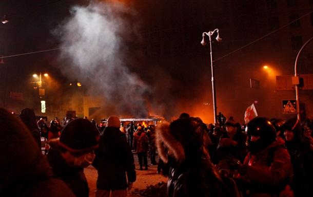 Милиция задержала более 20 человек во время столкновений на Грушевского