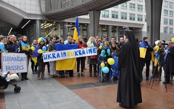 Руслана и евродепутаты приняли участие в евромайдане в Брюсселе