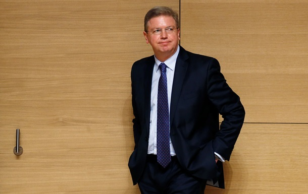 Еврокомиссар Фюле в четверг приедет в Киев, чтобы обсудить ситуацию в стране