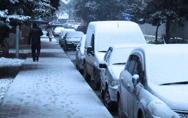 Киевские власти просят водителей воздержаться от поездок из-за ухудшения погоды