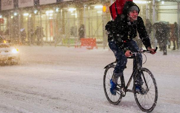 В трех американских штатах из-за снегопадов ввели чрезвычайное положение