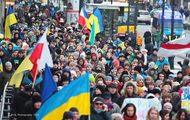 Україна потрібна Європі. Тисячний мітинг у Варшаві