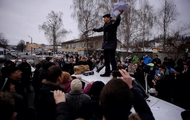 Україну врятує революція!