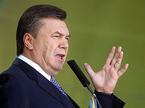 Віктор Янукович в прямому ефірі пригрозив меру Тернополя Сергію Надалу
