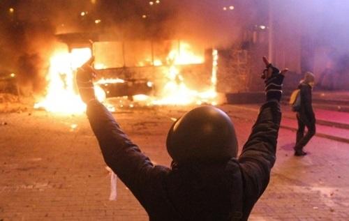 Молода «Свобода» та правий сектор планують підпали будинків суду