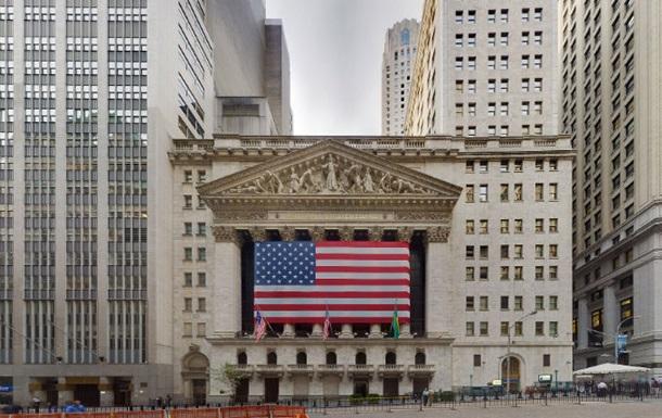 На бирже Нью-Йорка цена на золото корректируется