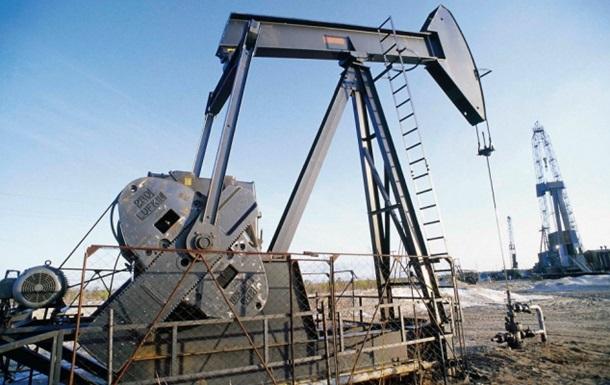 Торги нефтью на мировых рынках изменились разнонаправленно