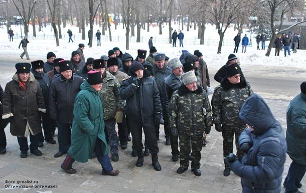В Луганске милиция взяла под надзор продажу пиротехники и бейсбольных бит