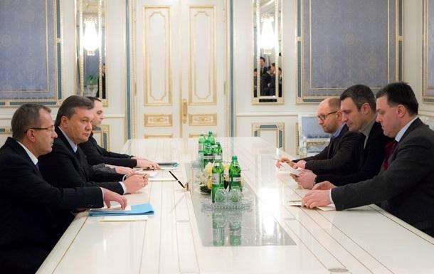 В Администрации президента проходит очередная встреча Януковича с лидерами оппозиции