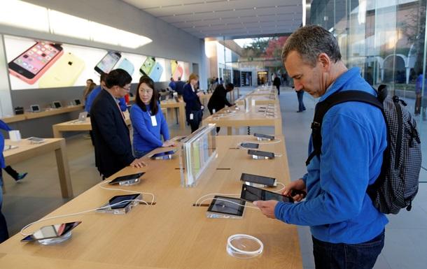 Капитализация компании Apple упала на 8%