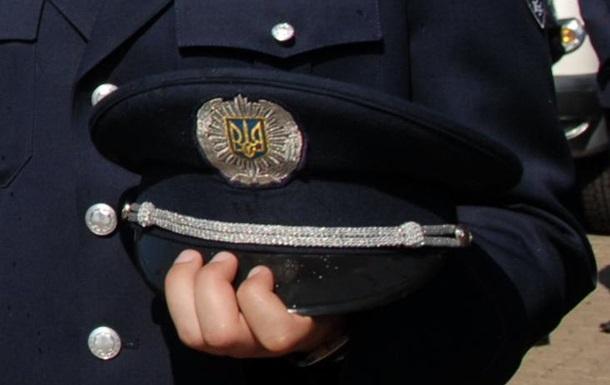 В Херсоне скончался один из трех раненых митингующими милиционеров – МВД