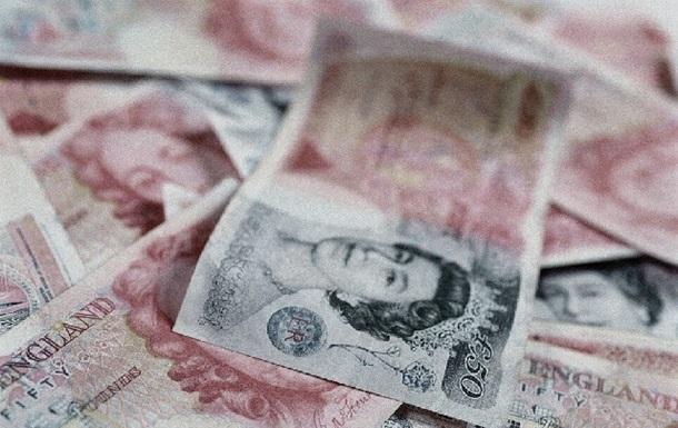 Фунт стерлингов на Forex снижается к доллару