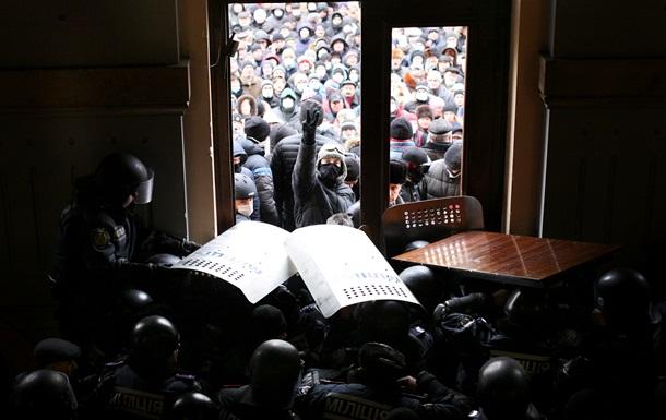 Корреспондент: Штурмовой предел. Как протесты перекинулись из Киева в регионы