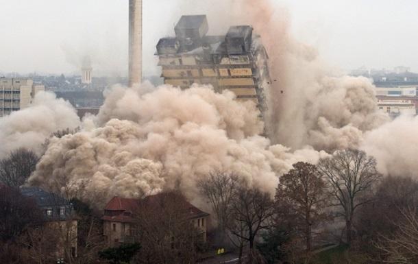 В Германии взорвали 116-метровый небоскреб
