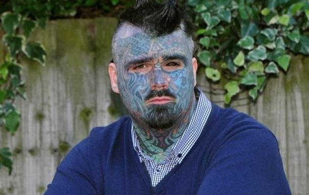 Самому татуированному британцу запретили переименоваться в Короля чернил