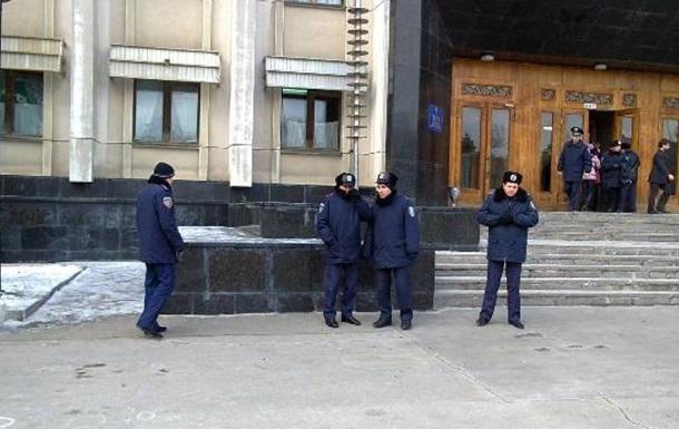 Милиция усилила охрану правительственного квартала