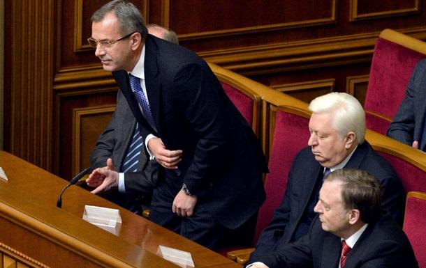 Клюев способен набрать голоса для премьерства, но Янукович его кандидатуру не внесет - Царев