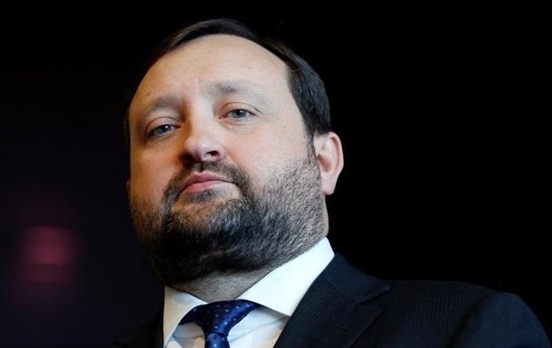 Янукович наделил Арбузова полномочиями премьера