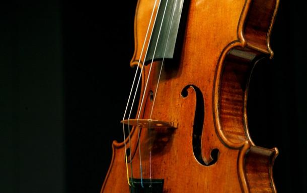 В США задержаны трое мужчин, которых подозревают в краже скрипки Страдивари