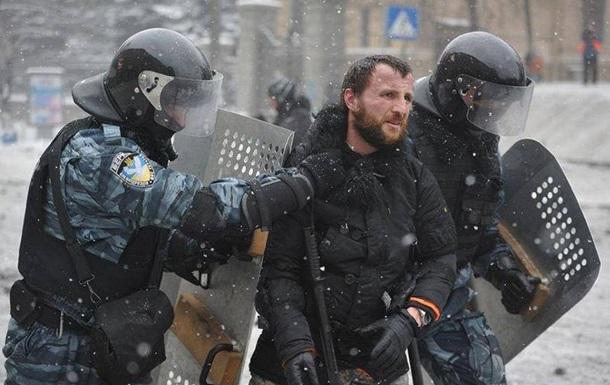 Прокуратура смягчила меру пресечения фотографу из Львова, подозреваемому в беспорядках на Грушевского