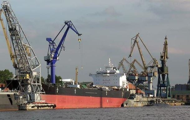 Из-за тумана в Украине с ограничениями работают семь морских портов