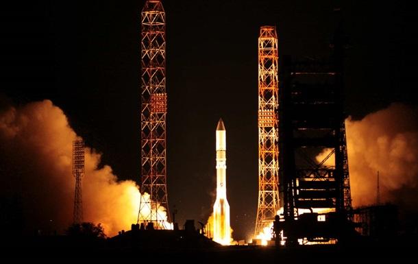 Российская ракета-носитель Протон-М вывел на орбиту турецкий спутник