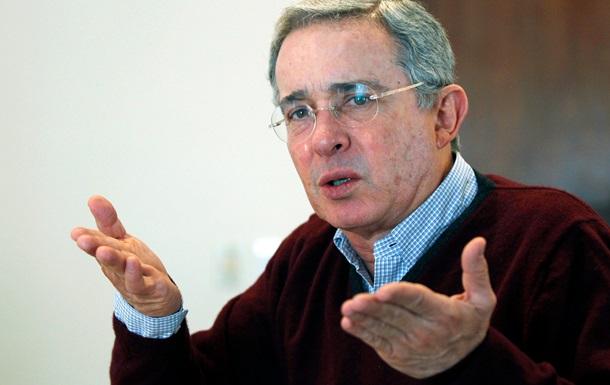 Президент Венесуэлы обвинил бывшего лидера Колумбии в финансировании оппозиции