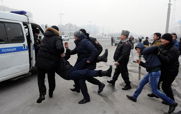 В Казахстане возобновились протесты против девальвации тенге