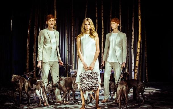Сюрприз на London Fashion Week. Кара Делевинь создала коллекцию сумок для Mulberry