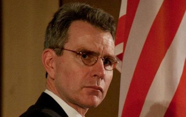 Посол США о столкновениях в Киеве: Политикой нужно заниматься в Раде, а не на улице