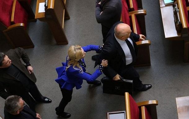 Фарион атаковала депутата-регионала
