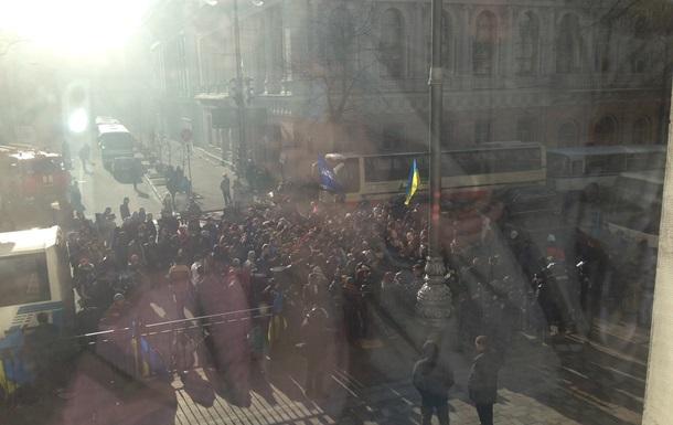 Кличко выступает на митинге сторонников власти под зданием Верховной Рады
