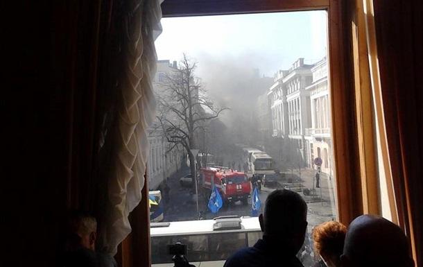 Охрана Верховной Рады подготовила пожарные гидранты