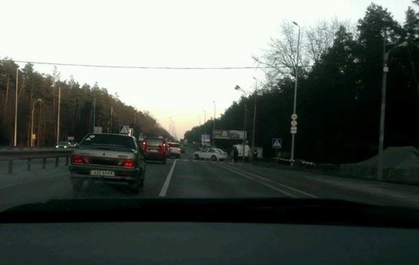 ГАИ перекрыла подъезды к Киеву и усилила посты: пропускают не всех