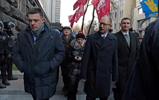 Штурм Майдана продолжается