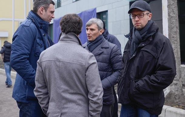 Кличко призвал нардепов собраться в Раде в 15.00, а президента пойти в отставку
