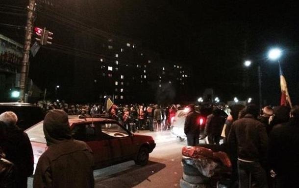 Активисты заблокировали заезд в аэропорт Борисполь