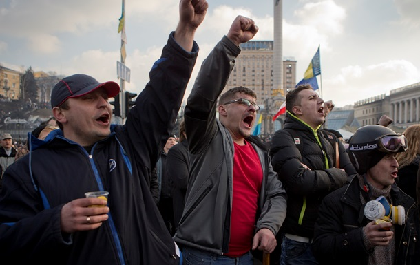 Майдан онлайн. Протестувальники готуються до війни, а в АП приїхав російський омбудсмен