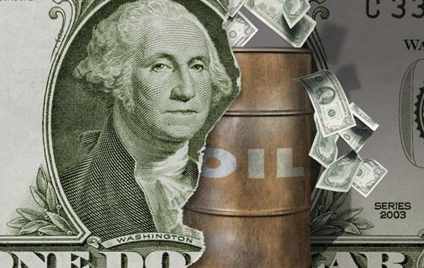 Нефтяные фьючерсы дешевеют, природный газ дорожает