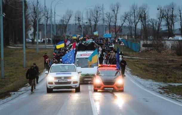 Автомайдан требует отставки президента и ликвидации Беркута